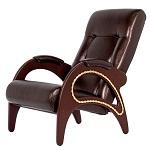 кресла из кожи и ткани на ножках